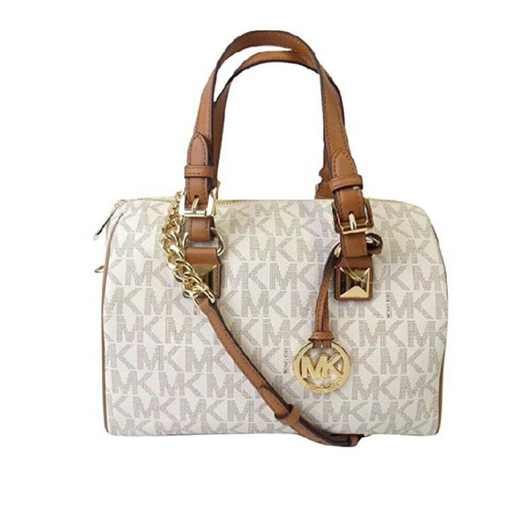 f91f9020c2 Michael kors mini purse